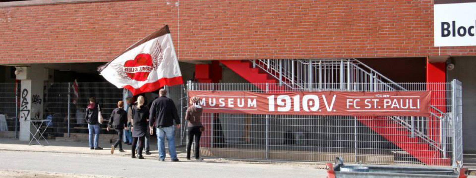 Fussball und Liebe Fahnenworkshop (Foto Antje Frohmüller)_1